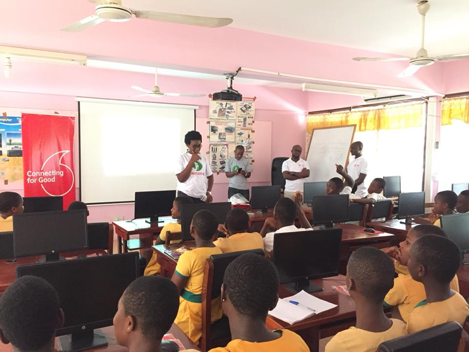 Awo Amenyah of J Initiative advising the students