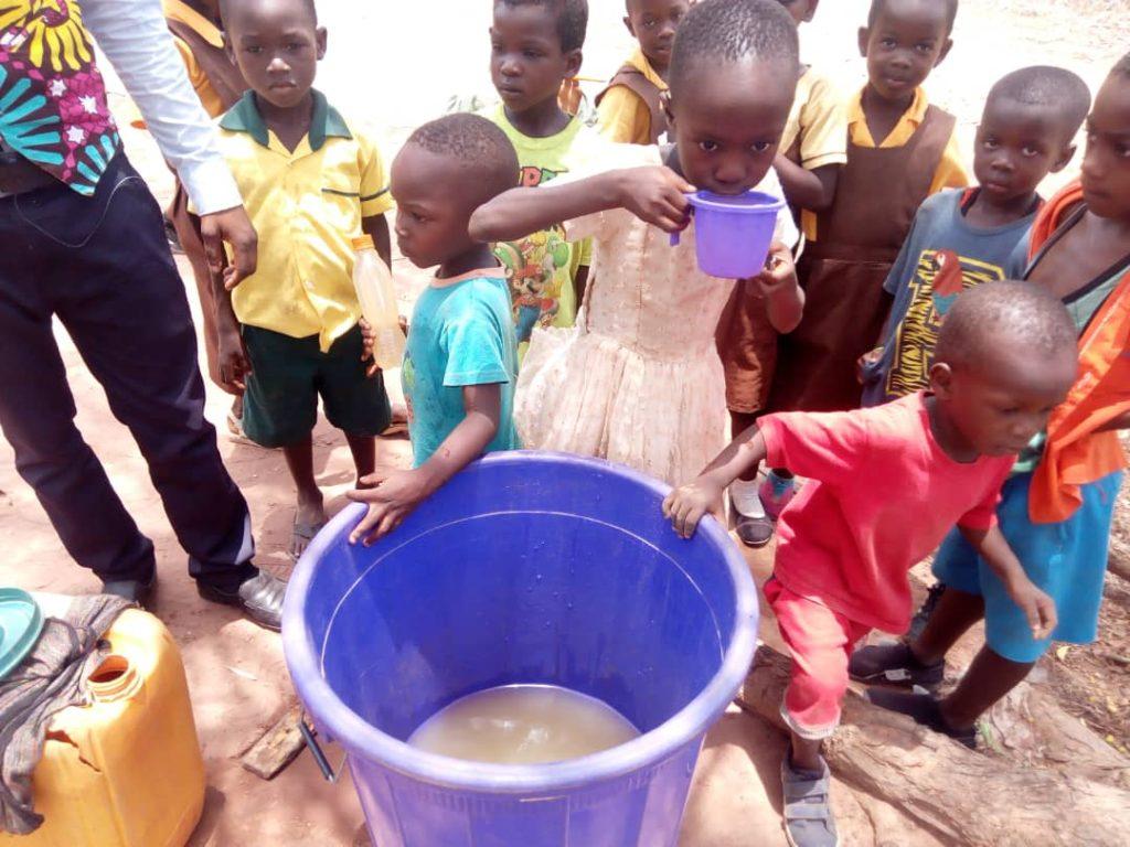 Akotoklo primary pupils write exams on rocks; no desks