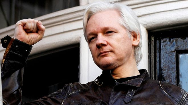 E se le cose cominciassero a precipitare? (V parte) - Pagina 11 Assange