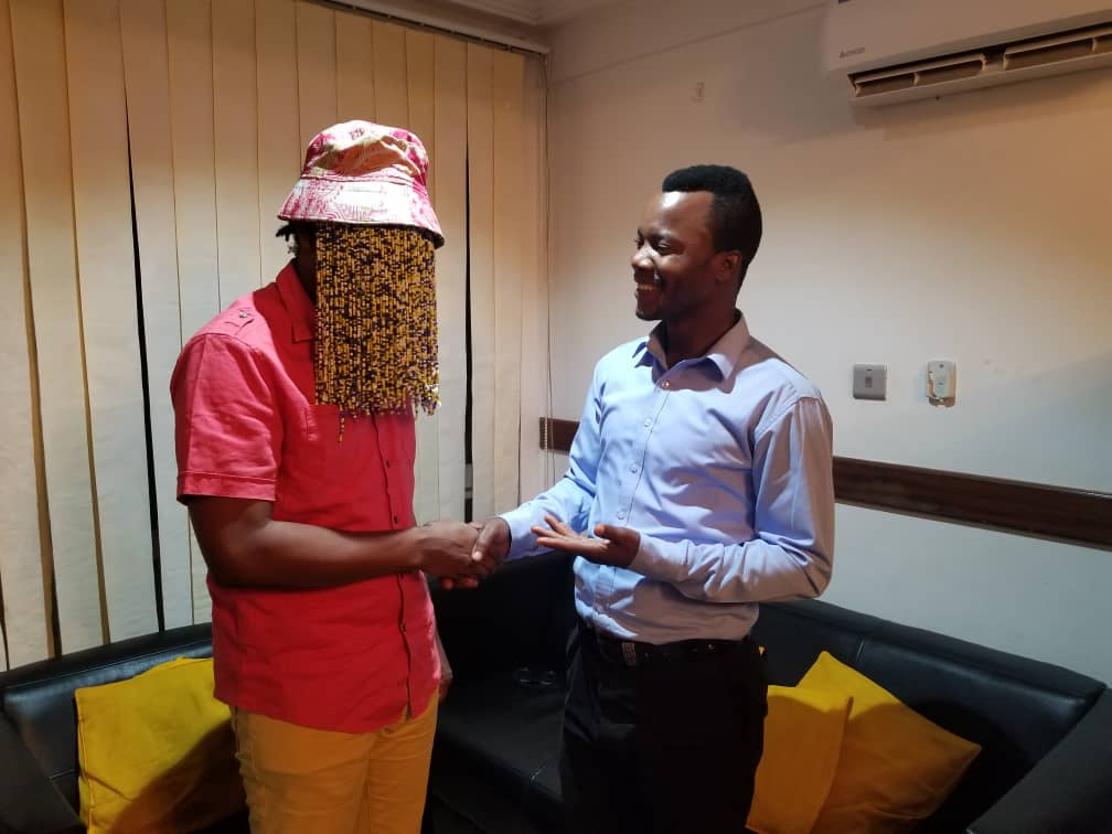 Anas and Adeti in a hearty chat