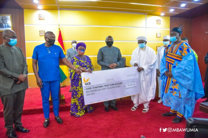 Muslim Community donates GHC130k to COVID-19 National Trust Fund ...